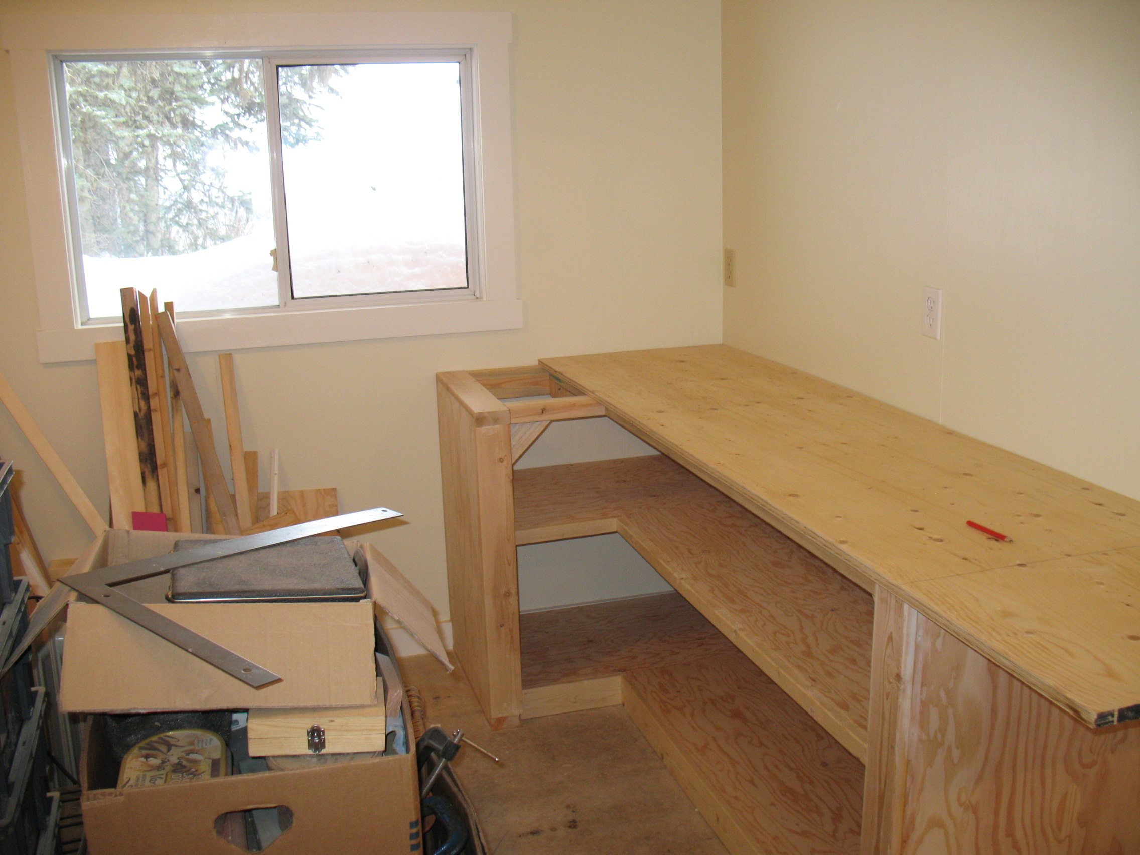 The pizza-prep area gets its counter installed.