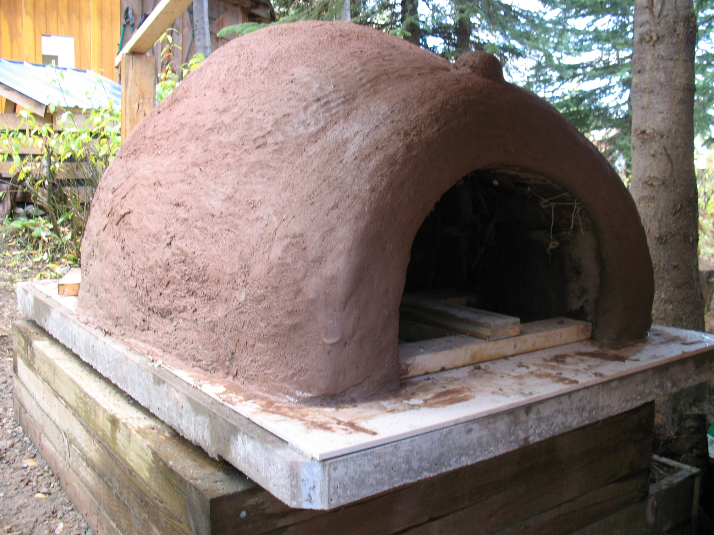The finished cob oven, still wet.