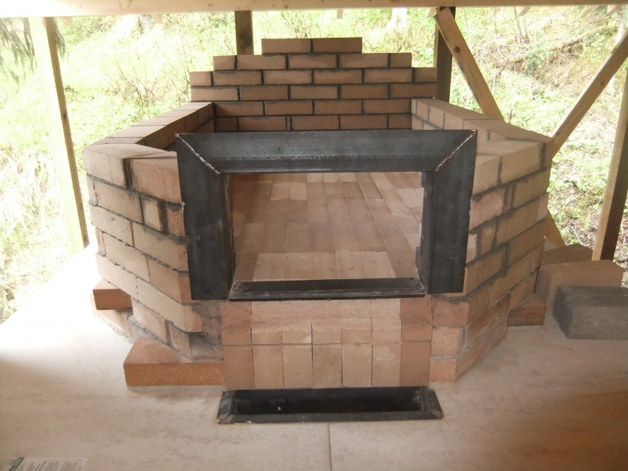 The oven walls finished, with the door frame in place as well.